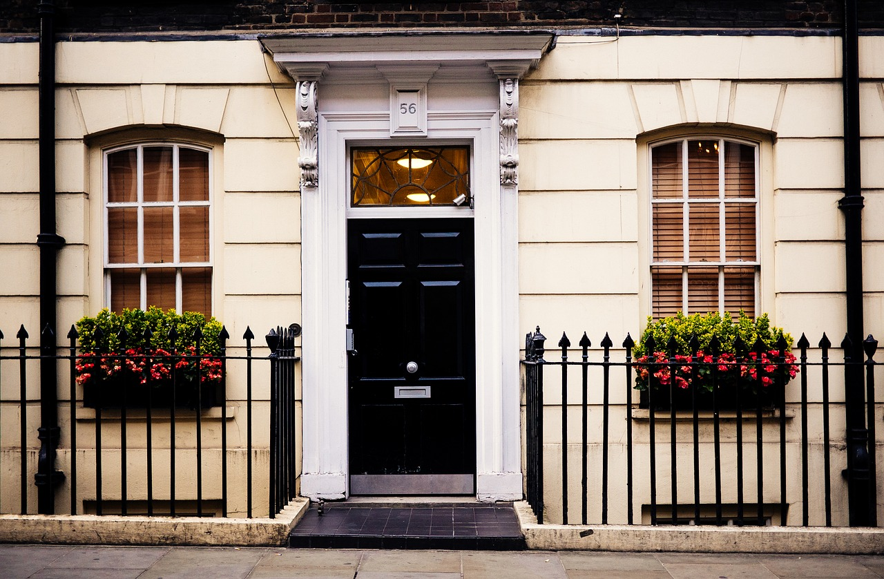 Notting Hill, Beacon Hill, Black front door, curb appeal