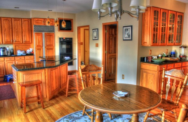 oak cabinets, traditional kitchen